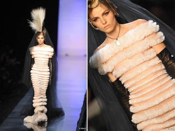 Andrej Pejic portant la robe de mariée Eté 2011 par Jean-Paul Gaultier