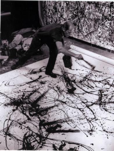 Jackson Pollock dans son atelier. Photographie de Hans Namuth, 1950.